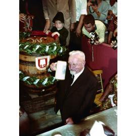 1922: Michael II., im Hintergrund Michael IV. als Kind (c)Schottenhamel Familienfotoarchiv