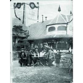 1896: Schottenhammels erste große Festhalle (c)Schottenhamel Familienfotoarchiv